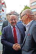 Mannheim. 19.09.17 | SPD-Kanzlerkandidat Martin Schulz im Capitol Mannheim.<br /> Im Wahlkampf zur Bundestagswahl unterstützt Kanzlerkandidat Martin Schulz Mannheims SPD Bundestagsabgeordneter Stefan Rebmann.<br /> - Martin Schulz wird bei der Ankunft begrüßt. Martin Schulz mit Peter Simon.<br /> <br /> BILD- ID 2420 |<br /> Bild: Markus Prosswitz 19SEP17 / masterpress (Bild ist honorarpflichtig - No Model Release!)