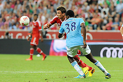 01.08.2013, Allianz Arena, Muenchen, Audi Cup 2013, FC Bayern Muenchen vs Manchester City, im Bild, Hinten Mario MANDZUKIC (FC Bayern Muenchen), vorene BOYATA (ManCITY) // during the Audi Cup 2013 match between FC Bayern Muenchen and Manchester City at the Allianz Arena, Munich, Germany on 2013/08/01. EXPA Pictures © 2013, PhotoCredit: EXPA/ Eibner/ Wolfgang Stuetzle<br /> <br /> ***** ATTENTION - OUT OF GER *****