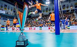 19-08-2017 NED: Oefeninterland Nederland - Italië, Apeldoorn<br /> De Nederlandse volleybal mannen spelen hun tweede oefeninterland van twee in Topsporthal De Voorwaarts tegen Italie als laatste voorbereiding op het EK in Polen / De Gelderland Cup die dit jaar naar Italie gaat