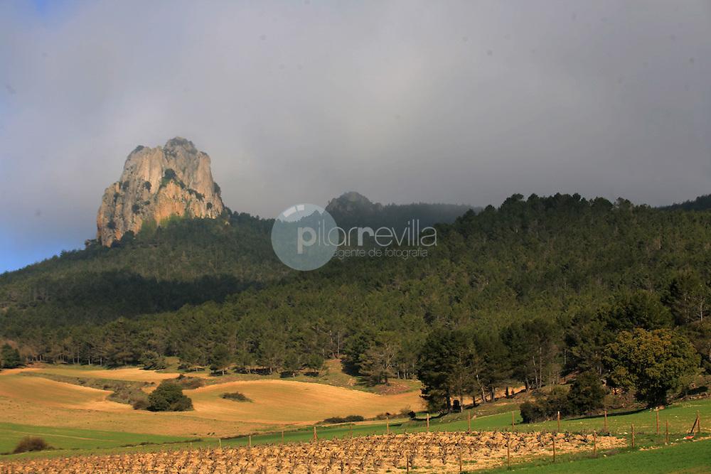 Peña Jembres. Montes Obarenes. La Rioja ©Daniel Acevedo / PILAR REVILLA