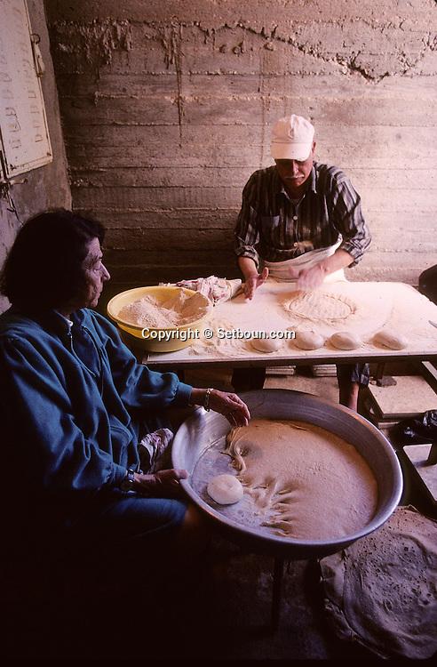 "= The Samaritans, preparing ""matsot"" (special bread"" for ""Passover""  Mount Gerizim  Israel  near Sekhem  /// les Samaritains, Paques, preparation des matsots  Mont Gerizim  Israel  +"