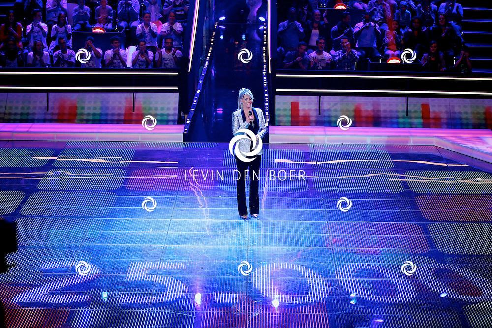 AALSMEER - In Studio Alsmeer is de liveshow van Everybody Dance Now. Met op de foto de opening van de show met Chantal Janzen. FOTO LEVIN DEN BOER - PERSFOTO.NU