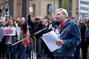 Frankfurt am Main | 28 Apr 2014<br /> <br /> Am Montag (28.04.2014) veranstalteten etwa 200 Menschen an der Hauptwache in Frankfurt am Main sogenannte Montagsdemos gegen Hartz IV und die Agenda 2010 und dann sp&auml;ter f&uuml;r den Frieden, gegen den Krieg etc., am zweiten Teil der Montagsdemo nahmen AfD-Aktivisten und die Neonazi-Aktivistin Sigrid Sch&uuml;&szlig;ler (NPD, RNF/Ring Nationaler Frauen) teil.<br /> Hier: Olav M&uuml;ller h&auml;lt eine Rede.<br /> <br /> &copy;peter-juelich.com<br /> <br /> [No Model Release | No Property Release]