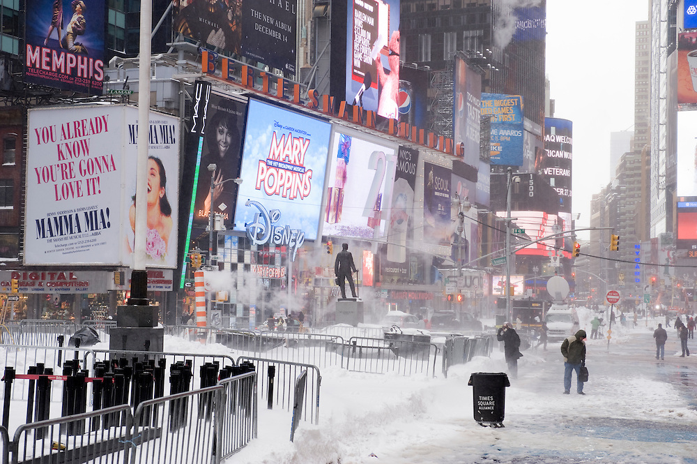 Times Square on the morning after the blizzard.The morning after the first blizzard in New York City at the end of 2010.Am morgen nach dem erste Scheesturm des Winters 2010/2011.