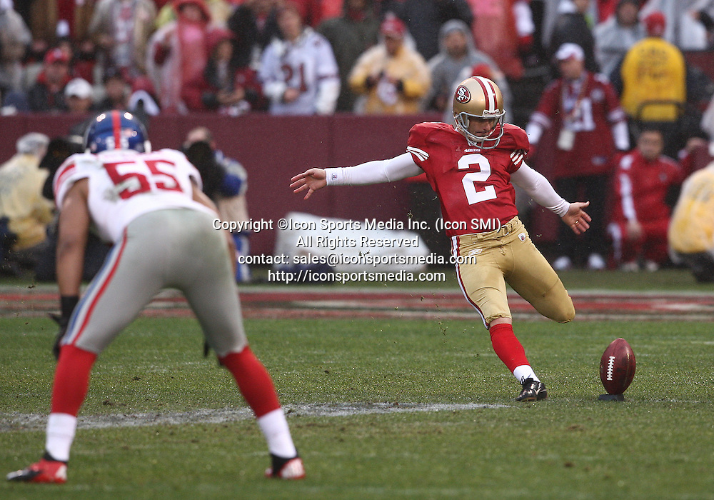 22 January 2012: San Francisco 49ers kicker David Akers #2 kicks off as the New York Giants lead the San Francisco 49ers 10-7 after the first half during the 2011 NFC championship game at Candlestick Park in San Francisco, Ca ***FOR EDITORIAL USE ONLY****