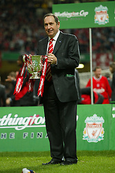 CARDIFF, WALES - Sunday, March 2, 2003: Liverpool's manager Gerard Houllier celebrates winning the League Cup after beating Manchester United 2-0 during the Football League Cup Final at the Millennium Stadium. (Pic by David Rawcliffe/Propaganda)