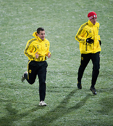 01.12.2010, Stadionul Steaua, Bucharest, ROM, UEFA Europa League, FC Steaua Bucuresti v Liverpool FC, training Liverpool, im BildLiverpool's Joe Cole  and Martin Kelly during training at the Stadionul Steaua ahead of the UEFA Europa League Group K match against FC Steaua Bucuresti. EXPA Pictures © 2010, PhotoCredit: EXPA/ Propaganda/ David Rawcliffe +++++ ATTENTION - OUT OF ENGLAND/UK +++++