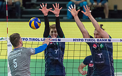 18.04.2018, Olympiahalle, Innsbruck, AUT, Volleyball Bundesliga, HYPO Tirol AlpenVolleys Haching vs Vfb Friedrichshafen, Halbfinale, 2. Spiel, im Bild v.l.: David Sossenheimer (VfB Friedrichshafen), Igor Grobelny (HYPO Tirol AlpenVolleys Haching) und Marek Beer (HYPO Tirol AlpenVolleys Haching) // during German Volleyball Bundeliga 2nd round semifinal playoff match between HYPO Tirol AlpenVolleys Haching vs Vfb Friedrichshafen at the Olympiahalle in Innsbruck, Austria on 2018/04/18. EXPA Pictures © 2018, PhotoCredit: EXPA/ Jakob Gruber