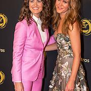 NLD/Amsterdam/20191009 - Uitreiking Gouden Televizier Ring Gala 2019, Merel Westrik met haar zusje Kirsten Westrik