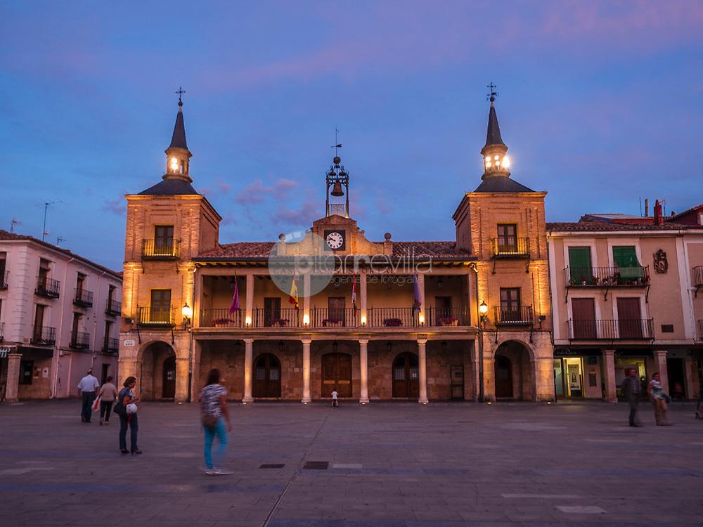 Plaza Mayor y Ayuntamiento. Burgo de Osma ©Country Sessions / PILAR REVILLA