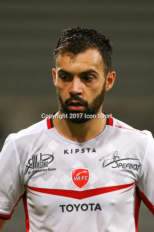 Laurent Dos Santos during the Ligue 2 match between Paris Fc and Valenciennes at Stade Charlety on October 20, 2017 in Paris, France. (Photo by Anthony Massardi/Icon Sport )