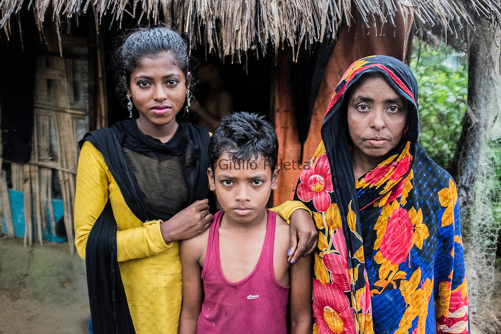Nargis, 14 years old, one of the surfer girls. She lives together with her brother and mum and dad, in the middle of the jungle on the top of a hill, far away from Cox's Bazar.