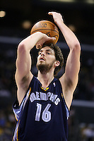 28 December 2005: Forward Pau Gasol of the Memphis grizzlies shoots a freethrow against the Los Angeles Lakers during the 1st period of the Grizzlies 100-99 victory over the Lakers at the STAPLES Center in Los Angeles, CA.