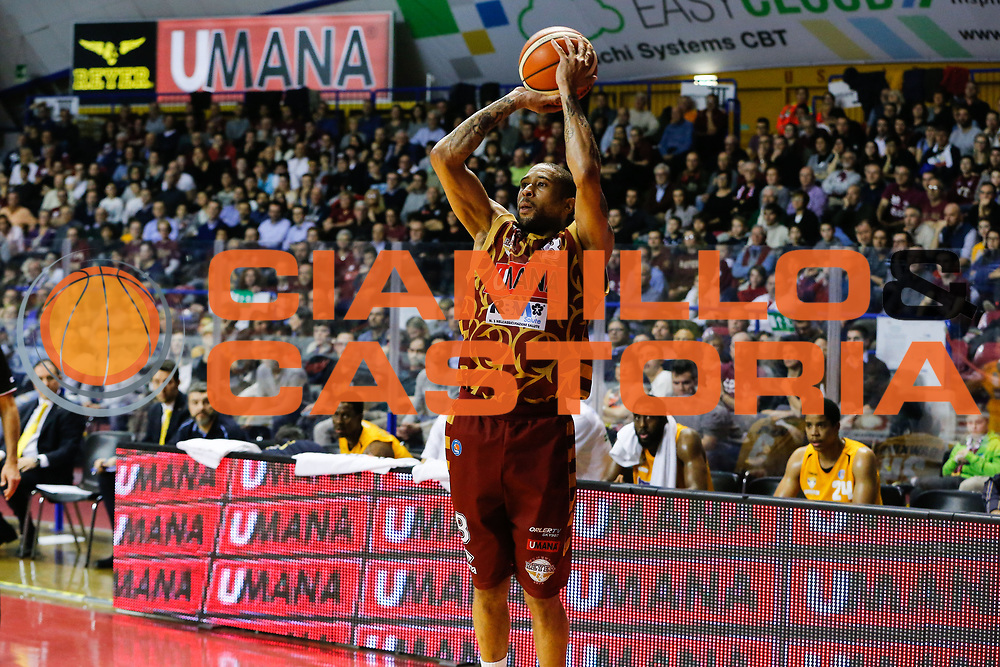 DESCRIZIONE : Venezia Lega A 2015-16 Umana Reyer Venezia - Manital Torino<br /> GIOCATORE : Jarrius Jackson<br /> CATEGORIA : Tiro<br /> SQUADRA : Umana Reyer Venezia - Manital Torino<br /> EVENTO : Campionato Lega A 2015-2016<br /> GARA : Umana Reyer Venezia - Manital Torino<br /> DATA : 31/01/2016<br /> SPORT : Pallacanestro <br /> AUTORE : Agenzia Ciamillo-Castoria/G. Contessa<br /> Galleria : Lega Basket A 2015-2016 <br /> Fotonotizia : Venezia Lega A 2015-16 Umana Reyer Venezia - Manital Torino