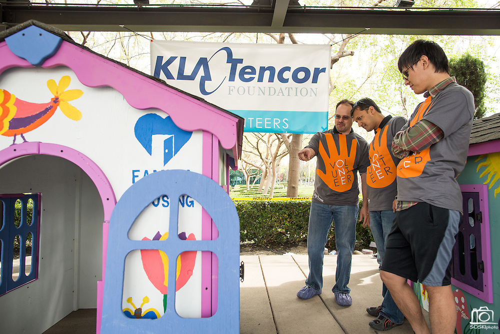 KLA-Tencor associates build playhouses for The Family Giving Tree at KLA-Tencor in Milpitas, California, on March 20, 2015. (Stan Olszewski/SOSKIphoto)