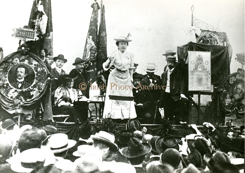 Rosa Luxemburg (1871-1919)  Polish-born German revolutionary and political agitator, addressing a meeting after the Second International Social Democrativ Congress, Stuttgart, 1907. Founder member with Karl Liebknecht of the KPD, the German Communist Party.