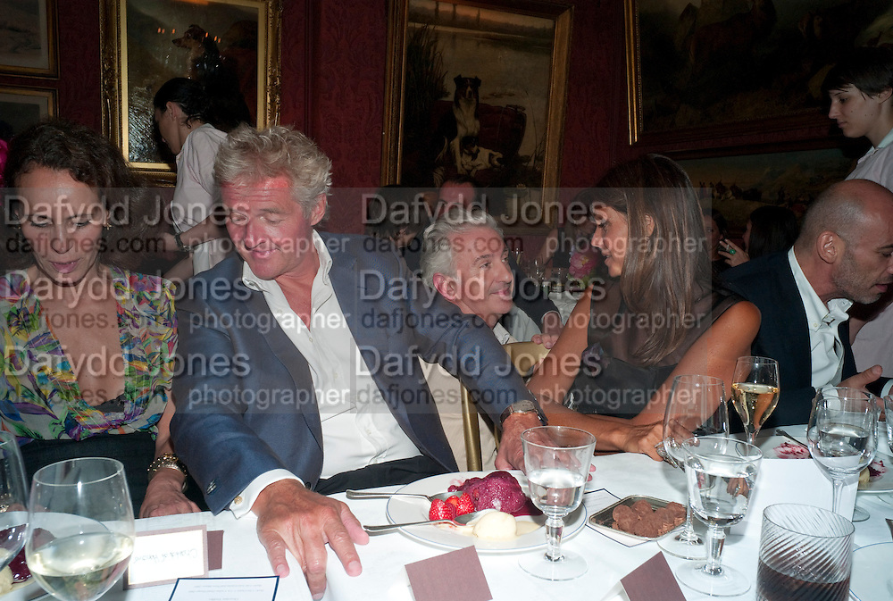 ANDREA DELLAL; COUNT Leopold von Bismarck; PATRICK KINMOUTH; DEBBIE VON BISMARCK; GUY DELLAL, , Dinner hosted by Elizabeth Saltzman for Mario Testino and Kate Moss. Mark's Club. London. 5 June 2010. -DO NOT ARCHIVE-© Copyright Photograph by Dafydd Jones. 248 Clapham Rd. London SW9 0PZ. Tel 0207 820 0771. www.dafjones.com.