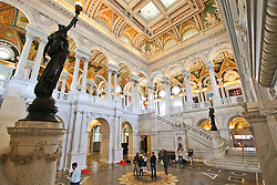 THEMENBILD - Die prachtvolle Eingangshalle des Thomas-Jefferson-Gebaeudes besteht aus Marmor. Reisebericht, aufgenommen am 12. Jannuar 2016 in Washington D.C. // The magnificent entrance hall of the Thomas Jefferson Building is made of marble. Travelogue, received on 12 Jannuary 2016 in Washington DC. EXPA Pictures © 2016, PhotoCredit: EXPA/ Eibner-Pressefoto/ Hundt<br /> <br /> *****ATTENTION - OUT of GER*****