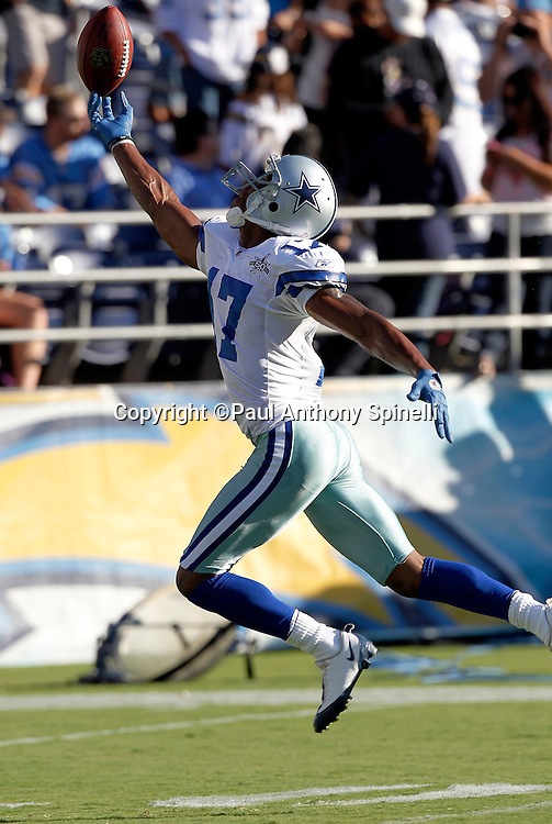 Dallas Cowboys wide receiver Sam Hurd (17) catches a fingertip pass during pregame warmups at a NFL week 2 preseason football game against the San Diego Chargers on Saturday, August 21, 2010 in San Diego, California. The Cowboys won the game 16-14. (©Paul Anthony Spinelli)
