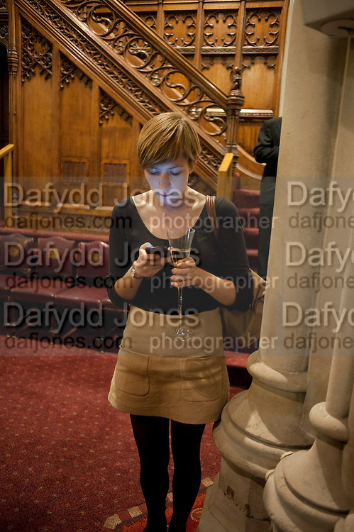 LAUREN SMITH, Man Booker prize 2011. Guildhall. London. 18 October 2011. <br /> <br />  , -DO NOT ARCHIVE-© Copyright Photograph by Dafydd Jones. 248 Clapham Rd. London SW9 0PZ. Tel 0207 820 0771. www.dafjones.com.