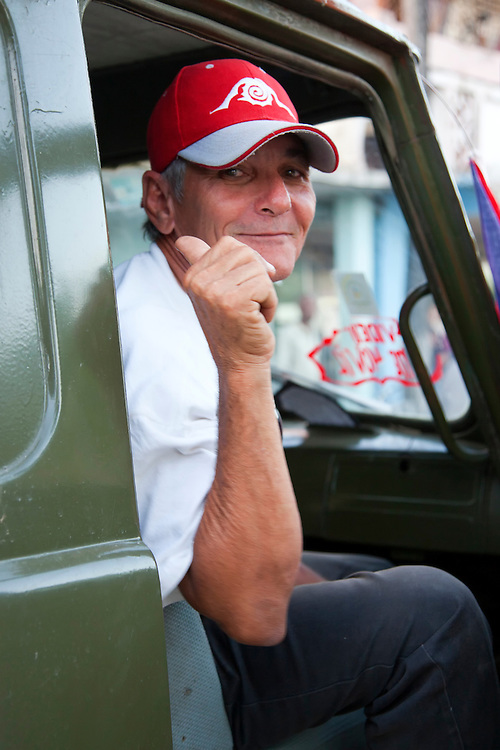 Thumbs up in Cueto, Holguin, Cuba.