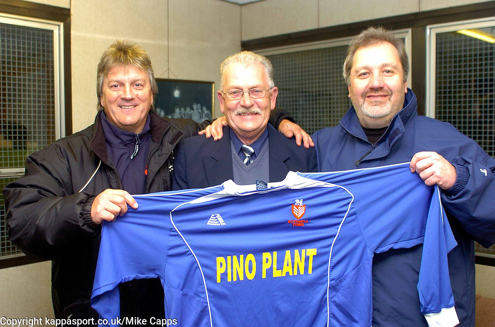 NEW MANAGEMENT MANAGER ALAN BILEY CHAIRMAN PETER BRADLEY  AND ASSISTANT IAN JACKSON MINTY, ROTHWELL TOWN,   Rothwell Town Cecil Street, 31st October 2006Rothwell Town Cecil Street, 31st October 2006