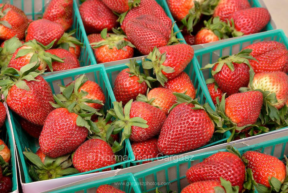 Strawberries, Farmers Market, Tucson, Arizona, USA.