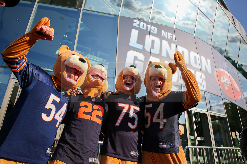 © Licensed to London News Pictures. 06/10/2019. London, UK. Chicago Bears Football fans arrive for the NFL (The National Football League) London Games when Oakland Raiders faces Chicago Bears in the first of the two games to be played at the new Tottenham Hotspur Stadium. Photo credit: Dinendra Haria/LNP