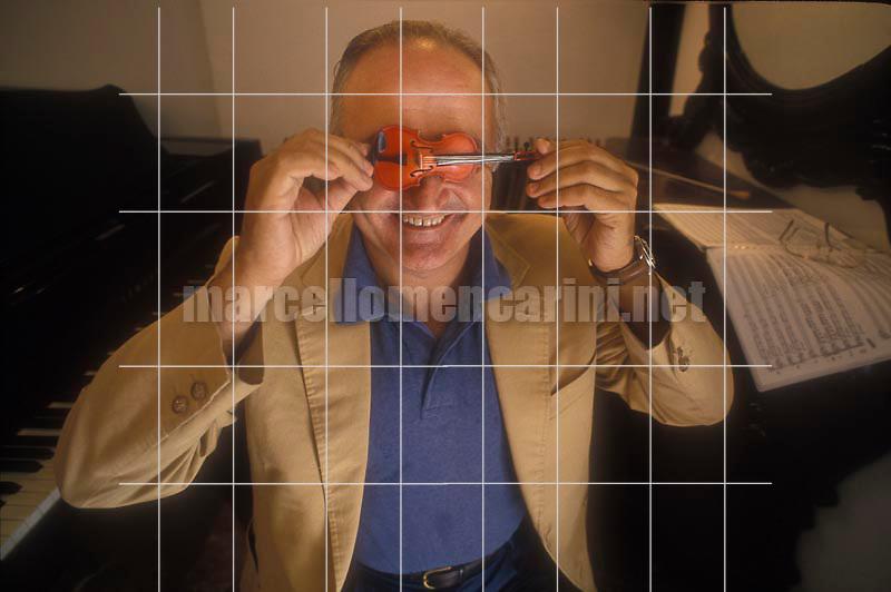 Naples, 1993. Italian violinist Salvatore Accardo / Napoli, 1993. Il violinista Salvatore Accardo - © Marcello Mencarini