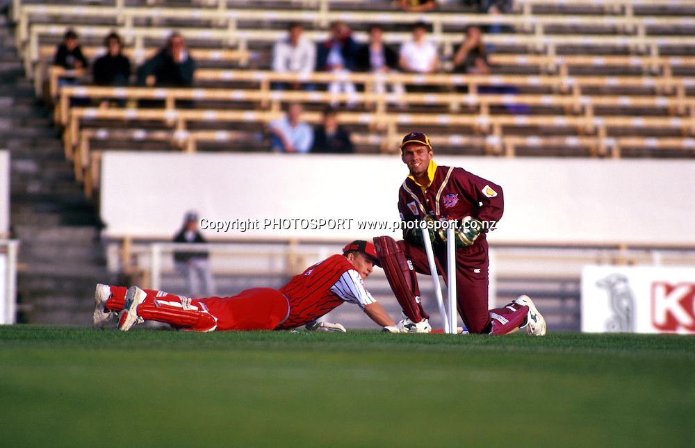 Keeper Robbie Hart. Shell Cup Cricket Final - Northern Knights v Canterbury Wizards, Westpac Trust Park, Hamilton. 24 January 1998. Photo: PHOTOSPORT