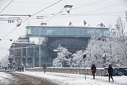 07.02.2018, Innenstadt, Graz, AUT, Schnee in Graz, im Bild das Kunsthaus an der Hauptbrücke am 7. Februar 2018, EXPA Pictures © 2018, PhotoCredit: EXPA/ Erwin Scheriau