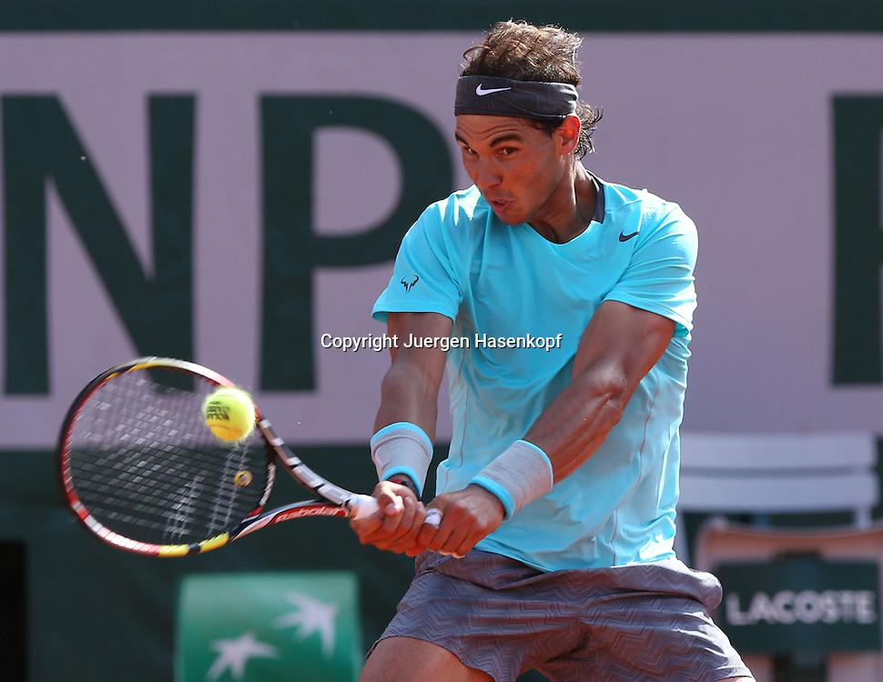 French Open 2014, Roland Garros,Paris,ITF Grand Slam Tennis Tournament, Herren Halbfinale,<br /> Rafael Nadal (ESP),Aktion,Einzelbild,Halbkoerper,<br /> Querformat,