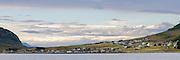 Kvalsvik is located 7 km from Fosnavåg in Norway, nort on the island Nerlandsøya | Kvalsvik er et tettsted i Herøy kommune i Møre og Romsdal. Tettstedet har 244 innbyggere per 1. januar 2012, og ligger nord på Nerlandsøya på Sunnmøre omtrent syv kilometer nordvest for kommunesenteret Fosnavåg. Høyoppløslig panorama.