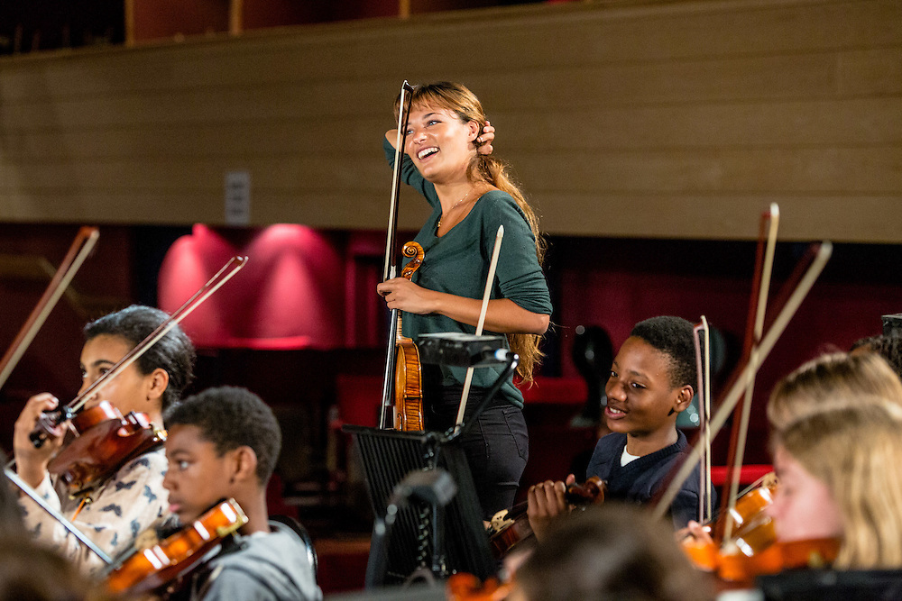 A day of music-making, fun and inspiration at Longborough Festival Opera<br /> <br /> The 2016 Young Leaders Camp included a visit to Longborough Festival Opera, in its post-season, and its idyllic surrounds. The Young Leaders met, played for, listened to and conversed with two of the great artists of our time, baritone Roderick Williams and violinist Nicola Benedetti, hosted by Martin Graham, whose pep talk was food for the soul. (Photos/Ivan Gonzalez)