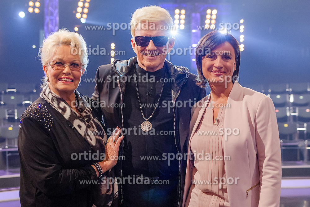 09.06.2015, WDR Studios, Koeln, GER, TV Show, Ich stelle mich, mit Heino, im Bild // during Germans TV Show &quot;Ich stelle mich&quot; at the WDR Studios in Koeln, Germany on 2015/06/09. EXPA Pictures &copy; 2015, PhotoCredit: EXPA/ Eibner-Pressefoto/ Sch&uuml;ler<br /> <br /> *****ATTENTION - OUT of GER*****