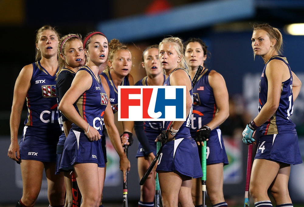 JOHANNESBURG, SOUTH AFRICA - JULY 20:  The United States of America team look at the big screen for a review during day 7 of the FIH Hockey World League Women's Semi Finals semi final match between England and United Staes of America at Wits University on July 20, 2017 in Johannesburg, South Africa.  (Photo by Jan Kruger/Getty Images for FIH)