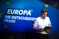 12.05.2019, Puls4 Studio, Wien, AUT, Puls4, Elefantenrunde zur Europawahl 2019, im Bild EU-Spitzenkandidat Werner Kogler (Grüne) // during political discussion due to elections of the european parliament 2019 in Vienna, Austria on 2019/05/12, EXPA Pictures © 2019, PhotoCredit: EXPA/ Michael Gruber