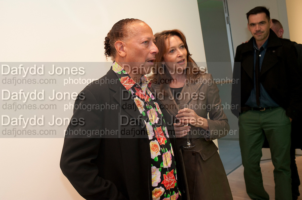 PETER STRAKER; CHERYL LUNGHI; ROLAND MOURET, Hear the World Ambassadors Ð An Exhibition of Photography by Bryan Adams , The Saatchi Gallery. Sloane sq. London. 21 July 2009. Hear the World - an initiative by Phonak, aims to raise international awareness about hearing and hearing loss<br /> PETER STRAKER; CHERYL LUNGHI; ROLAND MOURET, Hear the World Ambassadors ? An Exhibition of Photography by Bryan Adams , The Saatchi Gallery. Sloane sq. London. 21 July 2009. Hear the World - an initiative by Phonak, aims to raise international awareness about hearing and hearing loss