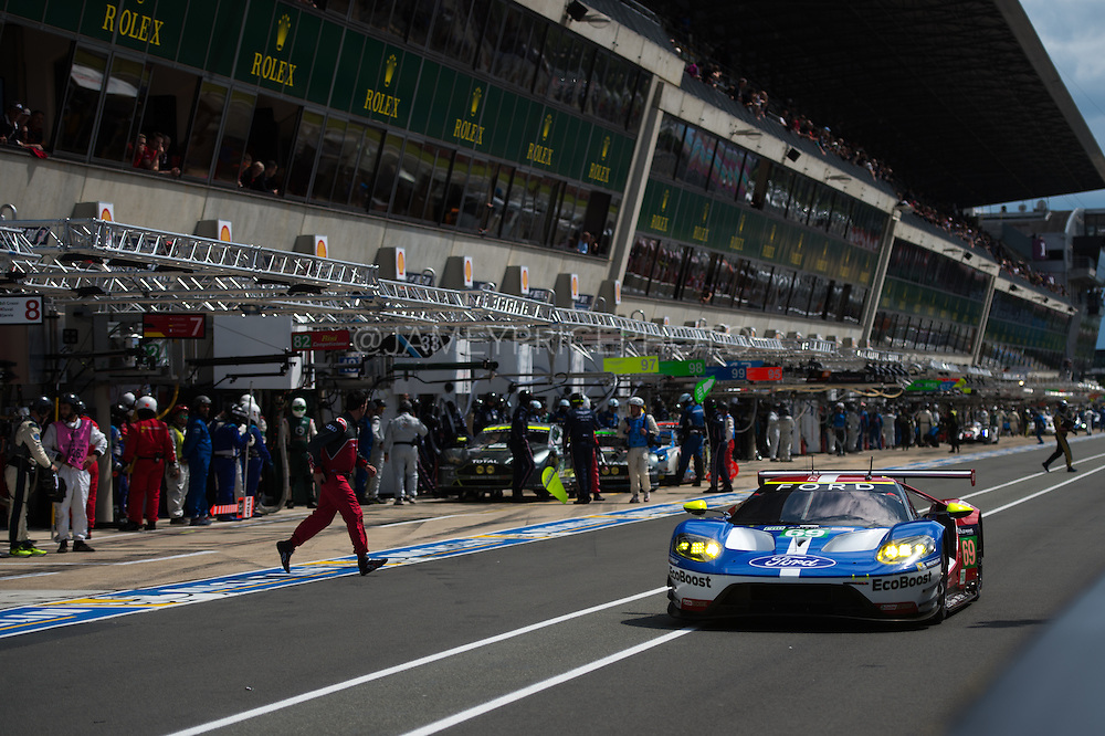 June 14-19, 2016: 24 hours of Le Mans. 69 FORD CHIP GANASSI TEAM USA, FORD GT, Ryan BRISCOE, Richard WESTBROOK, Scott DIXON, LM GTE Pro