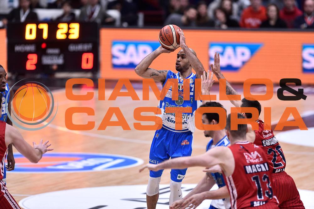 PROVVISORIO -- Milano 2 Gennaio 2015 - Campionato Basket Serie A - EA7 Emporio Armani vs Banco di Sardegna Sassari<br /> <br /> nella foto: David Logan<br /> Foto Ciamillo