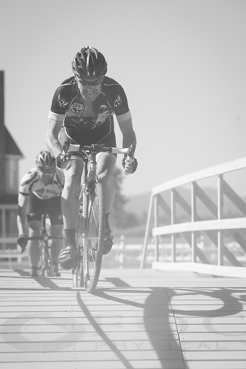 Whit Bazemore (BMC Total Care) using that 11-28 he borrowed from Bart.  © Brian Nelson