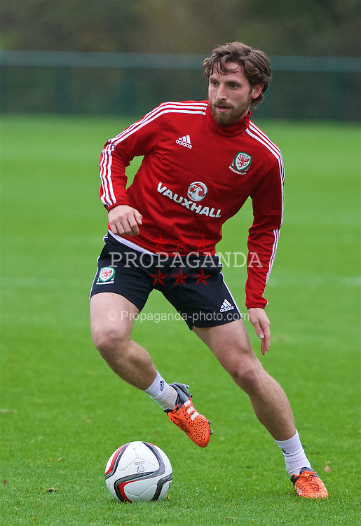 CARDIFF, WALES - Tuesday, November 10, 2015: Wales' Joe Allen during a training session at the Vale of Glamorgan ahead of the International Friendly against the Netherlands. (Pic by David Rawcliffe/Propaganda)