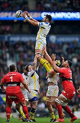 Damien Chouly of Clermont Auvergne wins the ball at a lineout - Photo mandatory by-line: Patrick Khachfe/JMP - Mobile: 07966 386802 02/05/2015 - SPORT - RUGBY UNION - London - Twickenham Stadium - ASM Clermont Auvergne v RC Toulon - European Rugby Champions Cup Final
