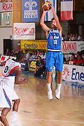 DESCRIZIONE : Bormio Torneo Internazionale Maschile Diego Gianatti Italia Francia <br /> GIOCATORE : Massimo Bulleri <br /> SQUADRA : Nazionale Italia Uomini Italy <br /> EVENTO : Raduno Collegiale Nazionale Maschile <br /> GARA : Italia Francia Italy France <br /> DATA : 02/08/2008 <br /> CATEGORIA : Tiro <br /> SPORT : Pallacanestro <br /> AUTORE : Agenzia Ciamillo-Castoria/S.Silvestri <br /> Galleria : Fip Nazionali 2008 <br /> Fotonotizia : Bormio Torneo Internazionale Maschile Diego Gianatti Italia Francia <br /> Predefinita :