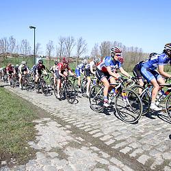 03-04-2016: Wielrennen: Ronde van Vlaanderen vrouwen: Oudenaarde  <br />OUDENAARDE (BEL) cycling  The sixth race in the UCI Womensworldtour is the ronde van Vlaanderen. A race over the famous Flemish climbs. peoton on the Haagohek cobbles with Niewadowska, Ferrand Prevot,