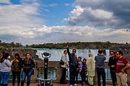 De Niagarawatervallen behoren tot de grootste en bekendste watervallen ter wereld. De waterval bestaat uit drie delen: de Horseshoe Falls, de American Falls en de Bridal Veil Falls. ROBIN UTRECHT