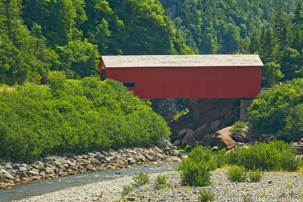 Covered bridge on Point Wolfe River<br />