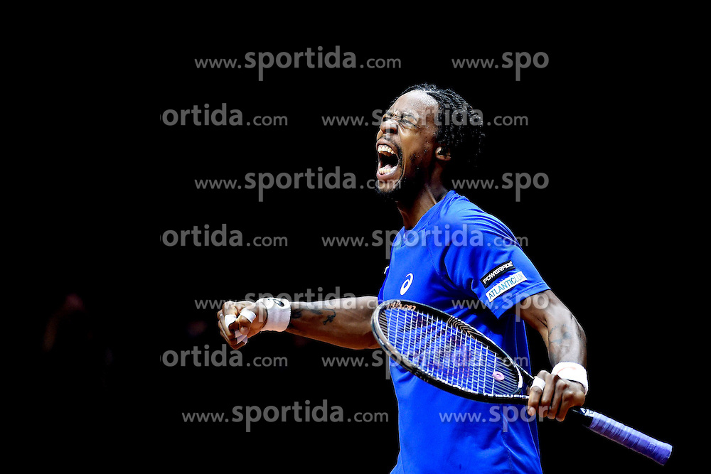 21.11.2014, Stade Pierre Mauroy, Lille, FRA, Davis Cup Finale, Frankreich vs Schweiz, im Bild Gael Monfils (FRA) jubelt // during the Davis Cup Final between France and Switzerland at the Stade Pierre Mauroy in Lille, France on 2014/11/21. EXPA Pictures © 2014, PhotoCredit: EXPA/ Freshfocus/ Valeriano Di Domenico<br /> <br /> *****ATTENTION - for AUT, SLO, CRO, SRB, BIH, MAZ only*****