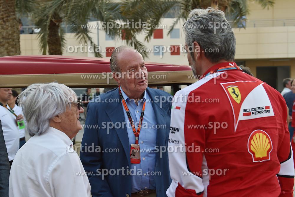 18.04.2015, International Circuit, Sakhir, BHR, FIA, Formel 1, Grand Prix von Bahrain, Qualifying, im Bild Bernie Ecclestone (GBR) CEO Formula One Group (FOM), Juan Carlos of Spain (ESP) and Maurizio Arrivabene (ITA) Ferrari Team Principal // during Qualifying of the FIA Formula One Bahrain Grand Prix at the International Circuit in Sakhir, Bahrain on 2015/04/18. EXPA Pictures &copy; 2015, PhotoCredit: EXPA/ Sutton Images/ Keith<br /> <br /> *****ATTENTION - for AUT, SLO, CRO, SRB, BIH, MAZ only*****