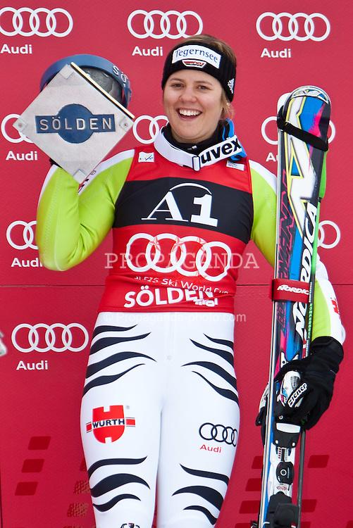 23.10.2010, Rettenbachferner, Soelden, AUT, FIS World Cup Ski Alpin, Lady, 2nd run, im Bild siegerin REBENSBURG Viktoria, GER, Ski Nordica, #1, EXPA Pictures © 2010, PhotoCredit: EXPA/ J. Groder